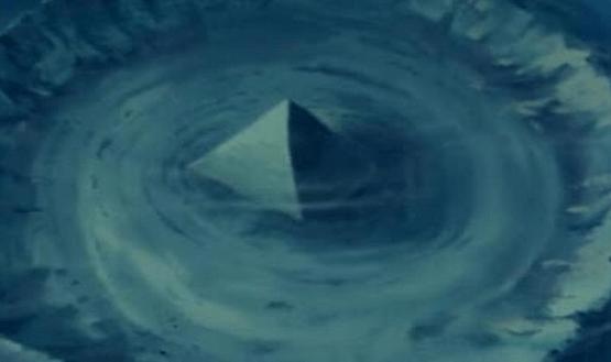 piramida triunghiul bermudelor