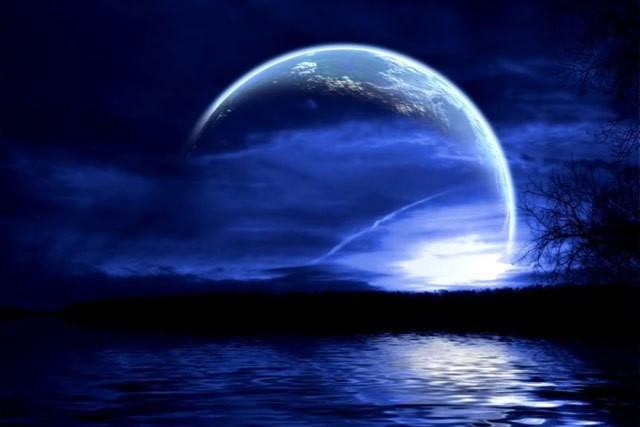 """Bluemoon Water """"Atlandida E În Marea Neagră. Insula Șerpilor, O Rămășiță"""""""